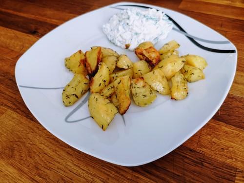 Pieczone ziemniaki i twaróg z ziołami